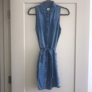 Collared denim Shirt dress with front pockets
